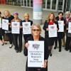 Kellu Shanahan, MD and METUP members demonstrate at San Antonio Breast Cancer Symposium.